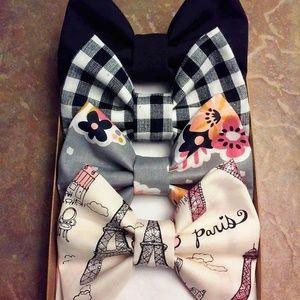 Take Me To Paris Bow Set